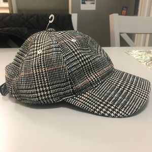 NWT! Urban Outfitters Hat! Plaid, Unisex